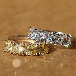 19f6cff1ed23 Nuevo diseño de la corona de Bling completa cristal simulado anillos de  boda 925 plata esterlina claro Zircon para mujer joyería de moda anillo  joyería fina