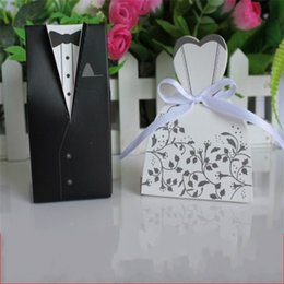 ChoColate wood online shopping - Swallow Tail Wedding Dress Candy Box Originality Groom Bride Gift Bag Wedding Party Favor Chocolates Boxes lw gg