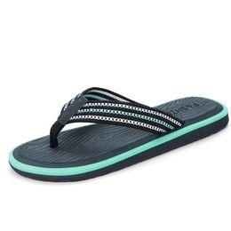 Slip 48 Canada - 2018 Big size 36-48 Summer Fashion Men slippers Non-slip men Beach slippers Flat Casual men Flip flops
