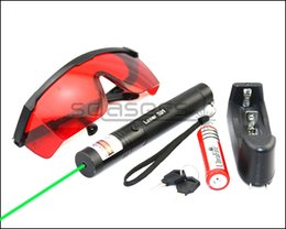 $enCountryForm.capitalKeyWord Canada - SDLasers GS3-0100 Adjustable Focus 532nm Green Laser Pointer With 1*18650 Li Battery & Charger & Goggles & 2*Safety Key Funny Pet stick