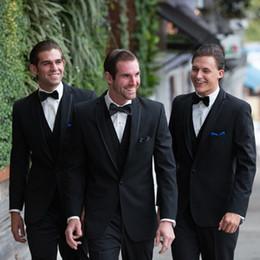 $enCountryForm.capitalKeyWord Canada - Vintage Black Three Pieces Classic Fit Groomsmen Suits One Button Notched Lapel Wedding Prom Dress Free Royal Blue Handkerchief