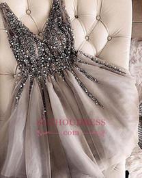 7af0a7f2386 2019 серый V-образным вырезом бисером блестки дешевые Homecoming платья  короткие сексуальные серебристо-серый сладкий 16 выпускные платья на заказ  BA9977