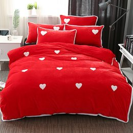 red heart queen 2018 - 4pcs witer warm Duvet Cover Set Fleece fabric Bedding Sets Include Duvet Cover Pillowcase heart pattern Bed Sheet discou