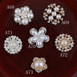 Designer Flower Brooch Canada - Designer kids flat back rhinestone pearl bottons boutique used on wedding party accessories girls flowers shape DIY alloy brooch YA0396