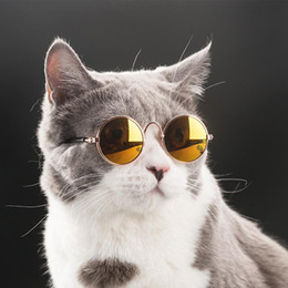 Venta al por mayor de Gafas de moda para mascotas Pequeño vidrios del gato Perros Gafas de sol ojo pet protección Enfriar Fotos Gafas de sol para mascotas Puntales gato Promoción