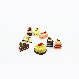 Wholesale 8pcs set Craft Miniature Cake Dollhouse Kids Play Toys Cute Miniature Plastic Craft Ornaments Doll House Accessories Gifts