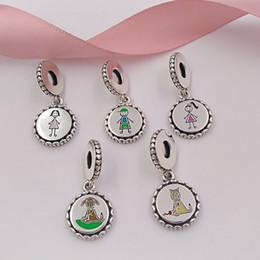Família Coleção 925 Sterling Silver Vara Figura Encantos incluem Mãe Menino Menina Cão e Gato Fit Pulseiras Pandora Estilo Europeu Colar venda por atacado