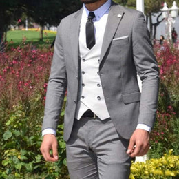 Discount grey mens suit wedding party - High Quality Two Buttons Light Grey Wedding Groom Tuxedos Peak Lapel Groomsmen Mens Dinner Party Suits (Jacket+Pants+Ves