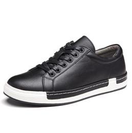 f1adac4b Hombres de la marca de lujo Zapatos Zapatos ocasionales de cuero negro Hombres  Estilo de Inglaterra Primavera Otoño Con cordones Hombres Tenis Moda ...