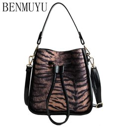 Discount tiger tote bags - BENMUYU,2018 new women's leather bag, bucket style individual designer tiger stripe drawstring bag, stitched rivet