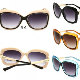 c3aa8a89860 Men And Women Fashion Sunglasses Designer Brand Luxury Outdoor Driving  Travel Ultraviolet Proof Glasses Decoration Factory Direct 13qy hh