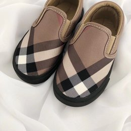 $enCountryForm.capitalKeyWord Australia - New Toddler Flats High Quality Baby Designer Shoes Gingham Slip On Casual Kids Canvas Loafers Girls Boys Sneakers Black White