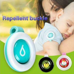 Ingrosso 1 pz Zanzara Repellente Braccialetto Adesivi Bambino In Gravidanza Adulto Anti Mosquito Pest Control Buttons Zanzara Killer Pc887228