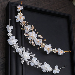 Wedding Hair Decoration Flowers NZ - Handmade Flowers Bridal Headband with Crystals Gold Sliver Wedding Hair Accessories for Bride Girls Prom Sweet Decoration
