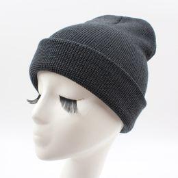 Novo Inverno Unisex Mulheres Homens Beanie Chapéu Sólida Quente Hip-Hop  Legal Cap Malha Headwear Vermelho   Azul   Azul Escuro   Cinza   Cinza  Escuro ... 2c7f7480142