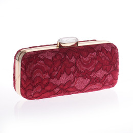 $enCountryForm.capitalKeyWord UK - Luxury Hollow Out Red Black White Lace Banquet Bag Women Elegant Vintage Golden Evening Party Clutch Bag Diamond Wedding