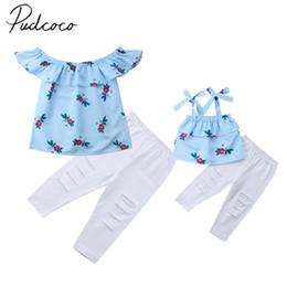 $enCountryForm.capitalKeyWord Australia - 2018 Brand New Mother Daughter Matching Women Girls Floral Print Striped Sleeveless Ruffles Tops Pants 2PCS Family Clothes