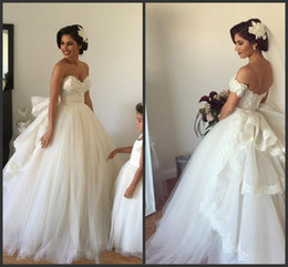 Chinese  2018 New with Detachable Off Shoulder Sleeves and Removable Ruffled Train Puffy Tulle Real Bridal Gowns 2017 Ball Gown Wedding Dresses manufacturers