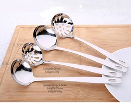 Skimmer tool online shopping - New Design Stainless Steel Colander Soup Spoon Long Handle Strainer Skimmer Porridge Spoons Cooking Tools Dinnerware