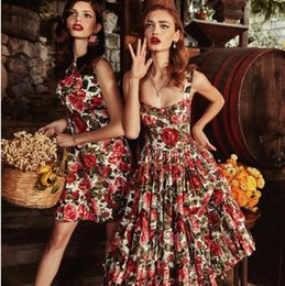 Wholesale 2018 Brand Same Style Spaghetti Strap Knee Length Sleeveless Empire Flora Print Dress Prom Fashion Luxury SH