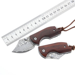 $enCountryForm.capitalKeyWord Australia - K8098 Damascus Folding Knife Pocket Knife Top Quality MINI EDC Wood Handle Damascus Steel Blade Camping Hiking Knives Tools Gift For Man