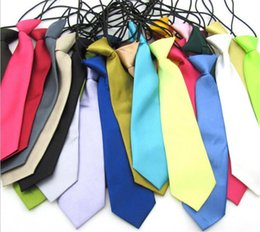 Venta al por mayor de 200 unids 25 colores Baby Boy School Wedding Elástico Corbatas Corbatas-Sólido Llanura de colores Niño Escuela Tie boy Y193