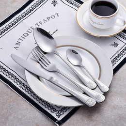 $enCountryForm.capitalKeyWord Australia - Silver Dinnerware Set Stainless Steel Plated Silver Carved Knife Fork Tableware Cutlery Luxury European Western Food Set 4pcs