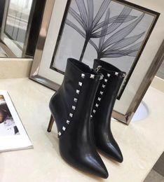 28391264ba5300 2018 Herbst und Winter neue Super Bein Reparatur sexy Niet kurze Stiefel  oberen Fuß sexy schöne schwarz rot Leder schwarz Größe 35-41