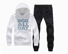 $enCountryForm.capitalKeyWord Canada - T999 DGK Brand Men and women hooded and pant Tracksuits long sleeved men s sportswear fashion leisure suit Spring and autumn