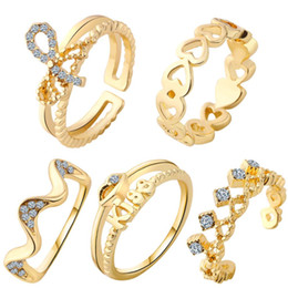 Hollow Fingers Australia - 5pcs Set Gold Finger Ring Set Gold Hollow Out Rhinestone Adjustable Gothic Silver Rings Set for Women