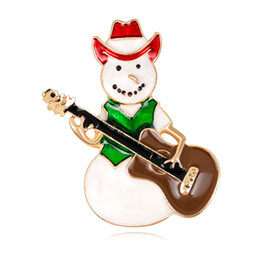 IndIan guItars online shopping - New Simple Design Cowboy Snowman Play Guitar Pins Brooch Fashion Women Red Green Enamel Brooches for Christmas Gifts Girls DB