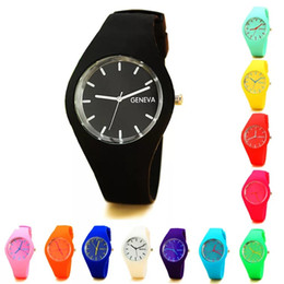 Wholesale Silicon Watches UK - Wholesale Geneva Silicon Watch Ultra Thin Watch Fashion Clock Sports Relogios for men and women 12 Colors