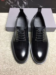 Fashionable Flat Shoes Laces Canada - Italian fashionable leather men's shoes round head elegant quality leather men's dress flat shoes Oxford men's shoes