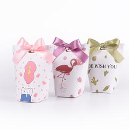 $enCountryForm.capitalKeyWord NZ - 30pcs Creative European Cartoon Flamingos Candy Boxes Wedding Favors Bomboniera Party Gift Box paper package Candy Bag
