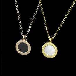 double rose black white Australia - Factory price direct foreign trade black and white double-sided shell necklace round necklace Ms. rose gold chain