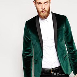 bf5c5dad815 High Quality Green Velvet Men Wedding Tuxedos Groom Tuxedos Black Shawl  Lapel Center Vent Men Blazer 2 Piece Suit(Jacket+Pants+Tie) 1703