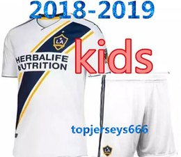 galaxy soccer uniforms 2018 - LA Galaxy kids kit 2018 home Soccer jersey 18 19 Los Angeles Camisa Ibrahimovic ALESSNDRINI J.DOS SANTOS child kit footb