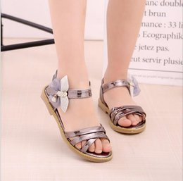 1e2197fedfcab Children s shoes summer new 2018 summer girls sandals Korean casual  princess fish shoes fashion bow students tide