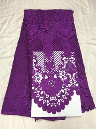 Discount purple guipure lace fabrics 5Yards pc Nice looking purple flower design french guipure lace embroidery african water soluble lace fabric for dress QW30-20
