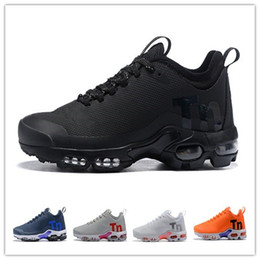 mens designer summer casual shoes UK - Mercurial plus tn air shoes designer shoes sneakers luxury Black White mens running shoes Women Trainers Casual Hiking Jogging Outdoor Sport