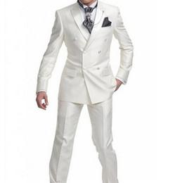 666ef37df Nuevo blanco traje de 2 piezas hombres boda Tuxdos novio de alta calidad  esmoquin de doble botonadura Vent lado superior chaqueta de los hombres  (chaqueta + ...