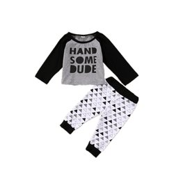 $enCountryForm.capitalKeyWord UK - Newborn Baby Boys Clothing Top+Pants 2PCS set Handsome Dude Letter Print Triangle Pattern Infant Baby Casual Clothes Toddler Kids Pajamas
