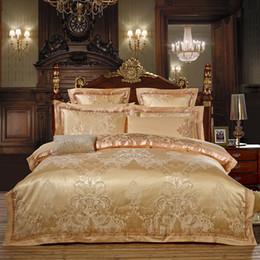 Discount baroque beds - 2018 European Baroque Golden Bedding Set Silk Cotton Blend Bedlinens Jacquard Queen King Duvet Cover Set Sheet Pillowcas