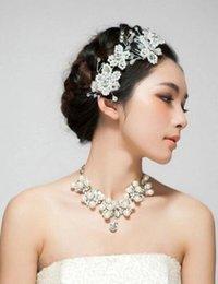 $enCountryForm.capitalKeyWord Australia - 2018 new handmade pearl rhinestone flower comb Korean short hair wedding headdress white wedding dress accessories