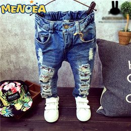$enCountryForm.capitalKeyWord Australia - 2017 Brand New Fashion Autumn Baby Boys Girls Jeans Children Broken Hole Pants Trousers 2-7Yrs Kids Trousers Children Clothing