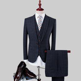 Discount wedding dresses men slim - 3pc Suit Men 2017 Slim Fit Plaid Formal Wear Blazer Set Terno Masculino Fashion Party Wedding Dress Suits (Jacket+Pant+V