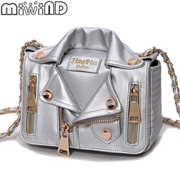 Discount designer body chain silver - 2018 Summer New Women Messenger Bags Italy Brand Designer Chain Motorcycle Leather Crossbody Bag Clothing Shape bolsa fe