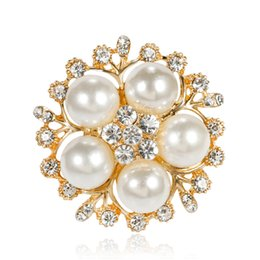 flower shape brooches Canada - New Design Flower Shape Big White Pearl Brooches Women Party Crystal Pin Brooch Jewelry 12PCS Free Shipping