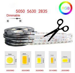 Venta al por mayor de Tira de luz LED de alto brillo 5M SMD2835 5050 5630 DC 12V 60LEDs / M Cinta flexible Cinta impermeable Decoración LED Luces