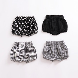 10 style 2018 New Baby Girls Shorts INS Toddler Bottoms Plaid Polka Dots Stripe Children PP Shorts Cute Pirinted Kids Clothes C3329 on Sale